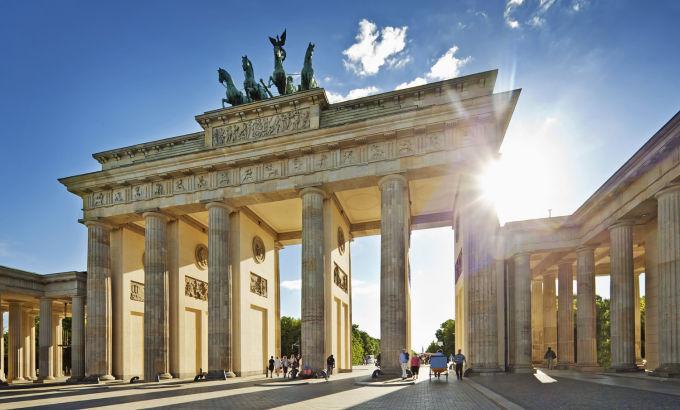 brandenburger-tor-in-berlin.thumb_2.jpg.e3bf3268c80a257e2e47c46406493a72.jpg